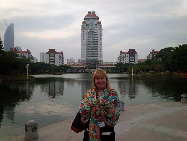 Hanna Snellman in China in 2014. Xiamen University campus on the background. Photo: Nello Angerilli.