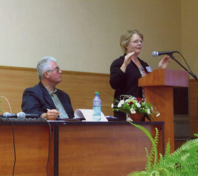 Esitelmöimässä Ivanovon yliopistossa Venäjällä 14.9.2007. Kuva: Irina Kudasheva.