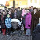 Rauman Lyseossa koulua yhtä aikaa käyneen poikaporukan tapana on ollut ottaa kuva joka vuosi joulurauhan julistuksen yhteydessä. Yli 35 vuoden aikana kuvattavien joukko on täydentynyt vaimoilla, lapsilla ja lapsenlapsilla.