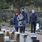Moni jatkoi hautausmaalta vielä joulurauhan julistukseen.