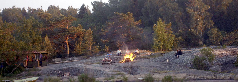 Juhannuskokkoa saa tänä vuonna polttaa, sillä metsäpalovaara ei ole voimassa. Kuva: LS-arkisto/Pekka Lehmuskallio