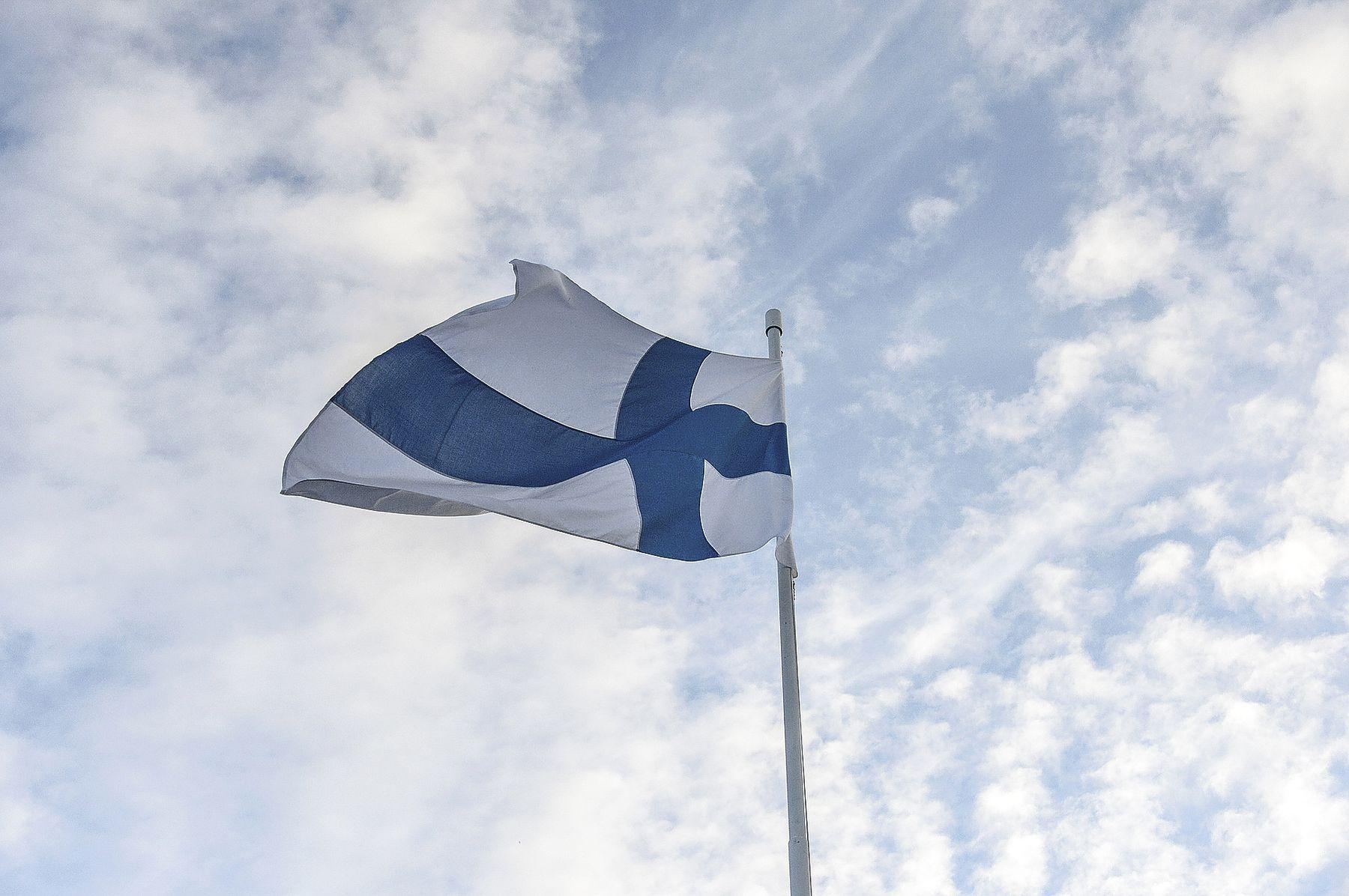 Nostetaan Lippu Salkoon