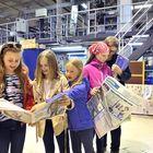 Ilona Suonvieri (vas.), Emma Lindgren, Halla Suonvieri, Roosa Kiiski ja Milla Suonvieri lähtivät porukalla tutustumaan Marva Mediaan ja Westpointiin.