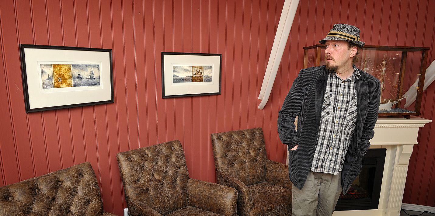 Tommi-Wihtori Roströmin mielestä merimuseo on hänen grafiikalleen oiva paikka.