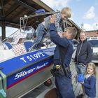 Poliisivene oli poliisin päivän hitti, ainakin lasten silmissä.