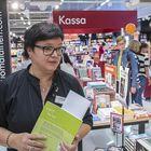 Myymäläpäällikkö Nina Kotiranta on erittäin tyytyväinen uusiin toimitiloihin.