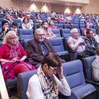 Yleisöä saapui paikalle muutama kymmentä.
