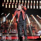 Moni konserttiyleisöstä olisi halunnut ostaa Cheekin punaisen nahkatakin.