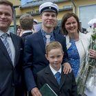 Ylioppilaan puheen piti Matias Mäkinen.  Tuoretta ylioppilasta onnittelivat isä Mikko Pere, pikkuveli Niilo Pere ja äiti Sari Salmi.