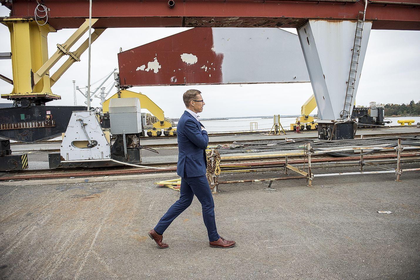 Pääministeri Alexander Stubb tutustui Rauman teollisuuspuistoon viime syksynä.