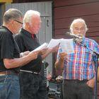 Ennen Vuoden Jaakon julkistamista oli vuorossa yhteislaulua.