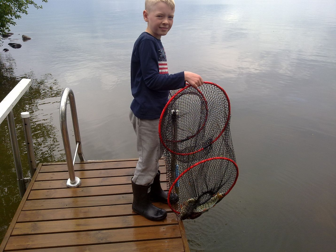 Kesäkuussa Matias sai uistimella ahvenia Säkylän Pyhäjärvestä.