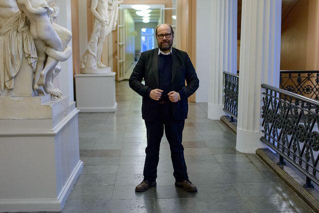 Mikko Laakso Helsingin yliopiston päärakennuksessa maaliskuussa 2015. Kuva: Mika Federley.