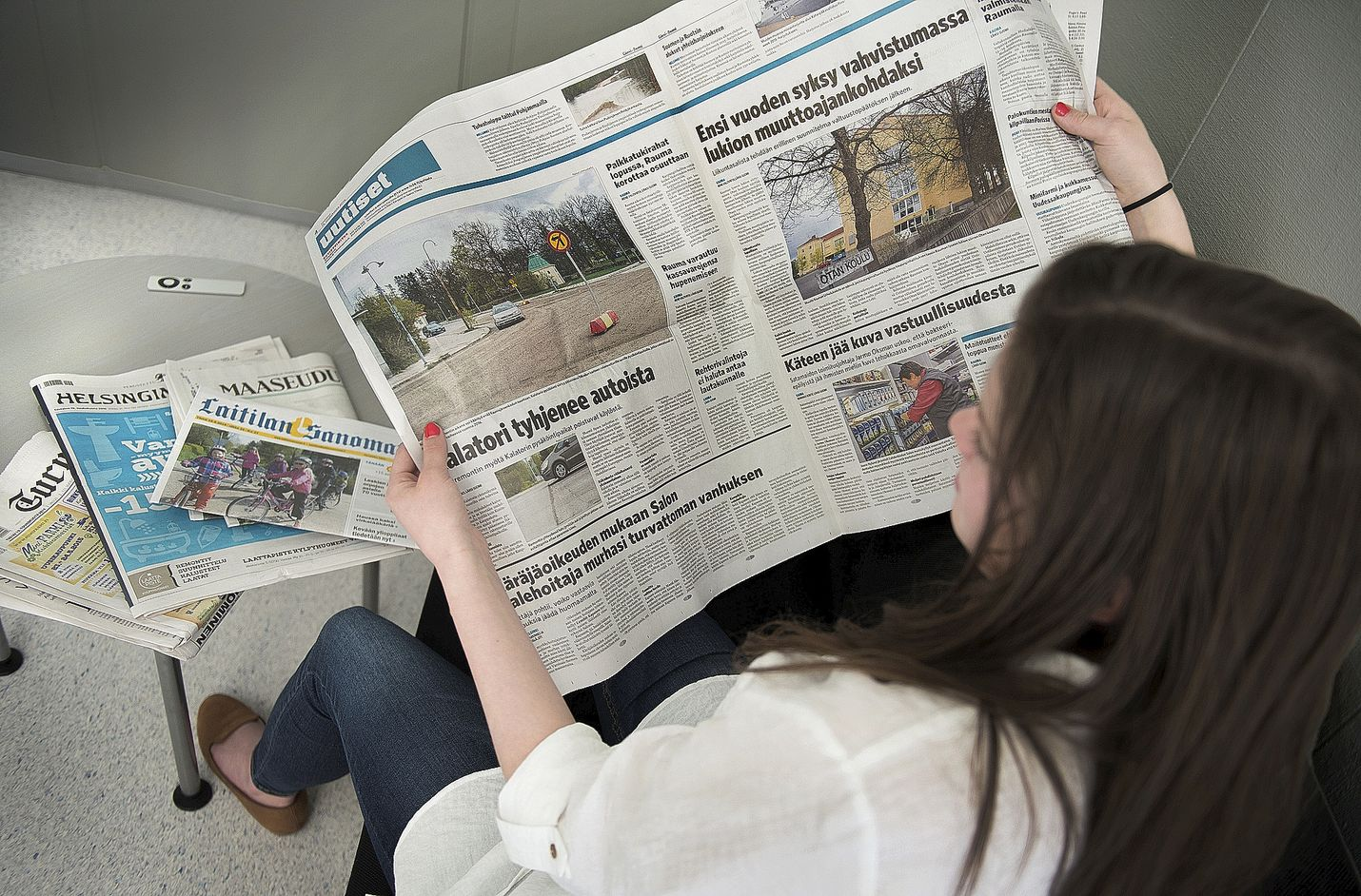 """Tällä viikolla vietetään Sanomalehtiviikkoa. Viikolla pureudutaan median luotettavuuteen ja lähdekritiikkiin teemalla """"Onko tämä totta?"""" Sanomalehtiviikolla on pitkä historia. Teemaviikkoja järjestettiin yksittäistapauksina jo 1970-luvulla."""