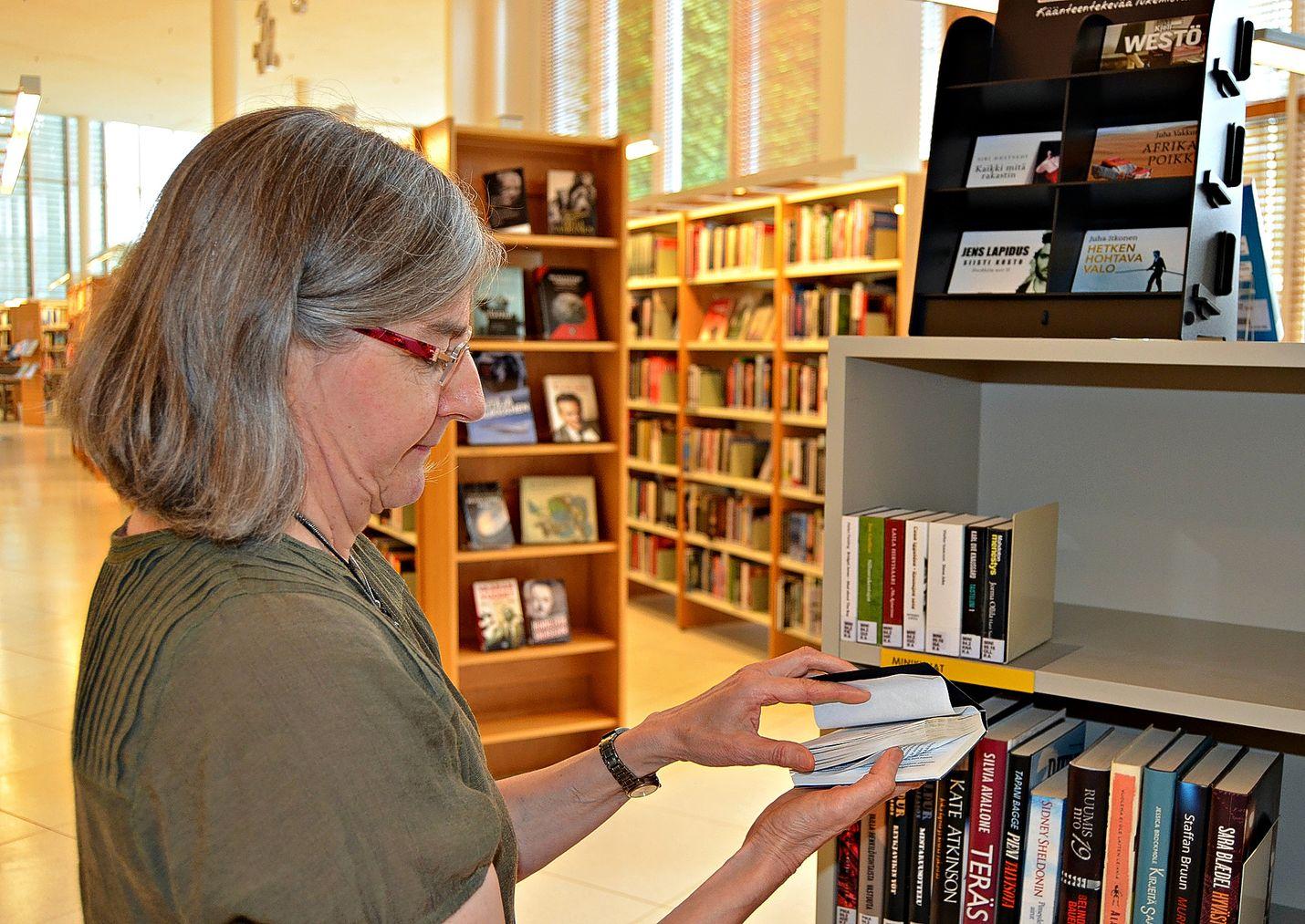 Kirjastossa riittää tekemistä sadesäälläkin