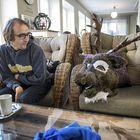 Raumalainen Jari Ala-Rohdainen harrastaa turriasuun pukeutumista. Haastatteluhetkellä hän oli pukeutunut poroksi, jonka hahmosta hän käyttää nimitystä Jagermaister. Kuva: Pekka Lehmuskallio