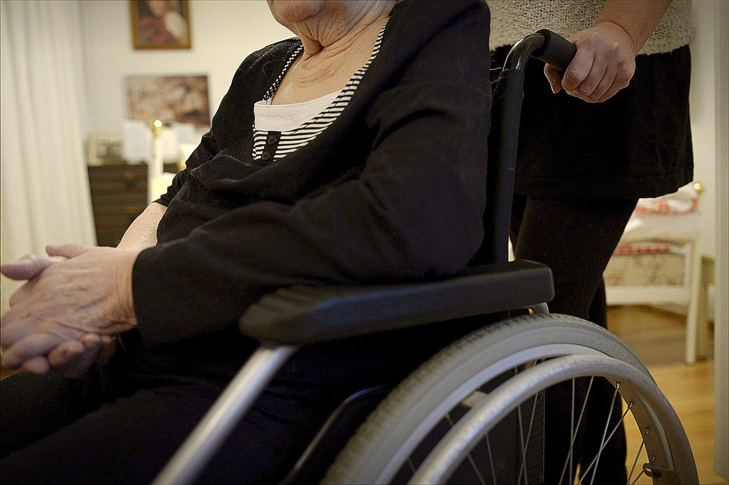 vanhaa naista omat pornokuvat