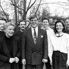 Radio Ramonan tiimiä 1990-luvun puolivälissä: Jari Naarmala, Elina Helkelä, Pekka Wallenius, Risto Wibom, Risto Leino, Satu Marva ja Teppo Viitanen.