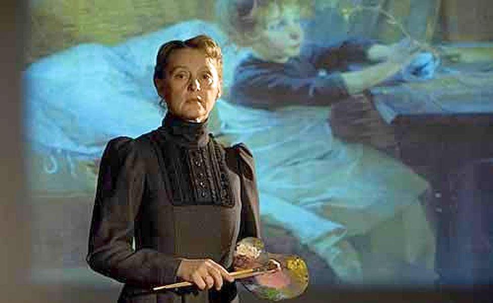 Tampereen Teatterista keväällä eläkkeelle jäänyt näyttelijä Inkeri Mertanen on tulkinnut taiteilija Helene Schjerfbeckin omakuvaa jo useamman vuoden ajan. Huomenna esitys vierailee Soveron Taidetalossa Eurassa.