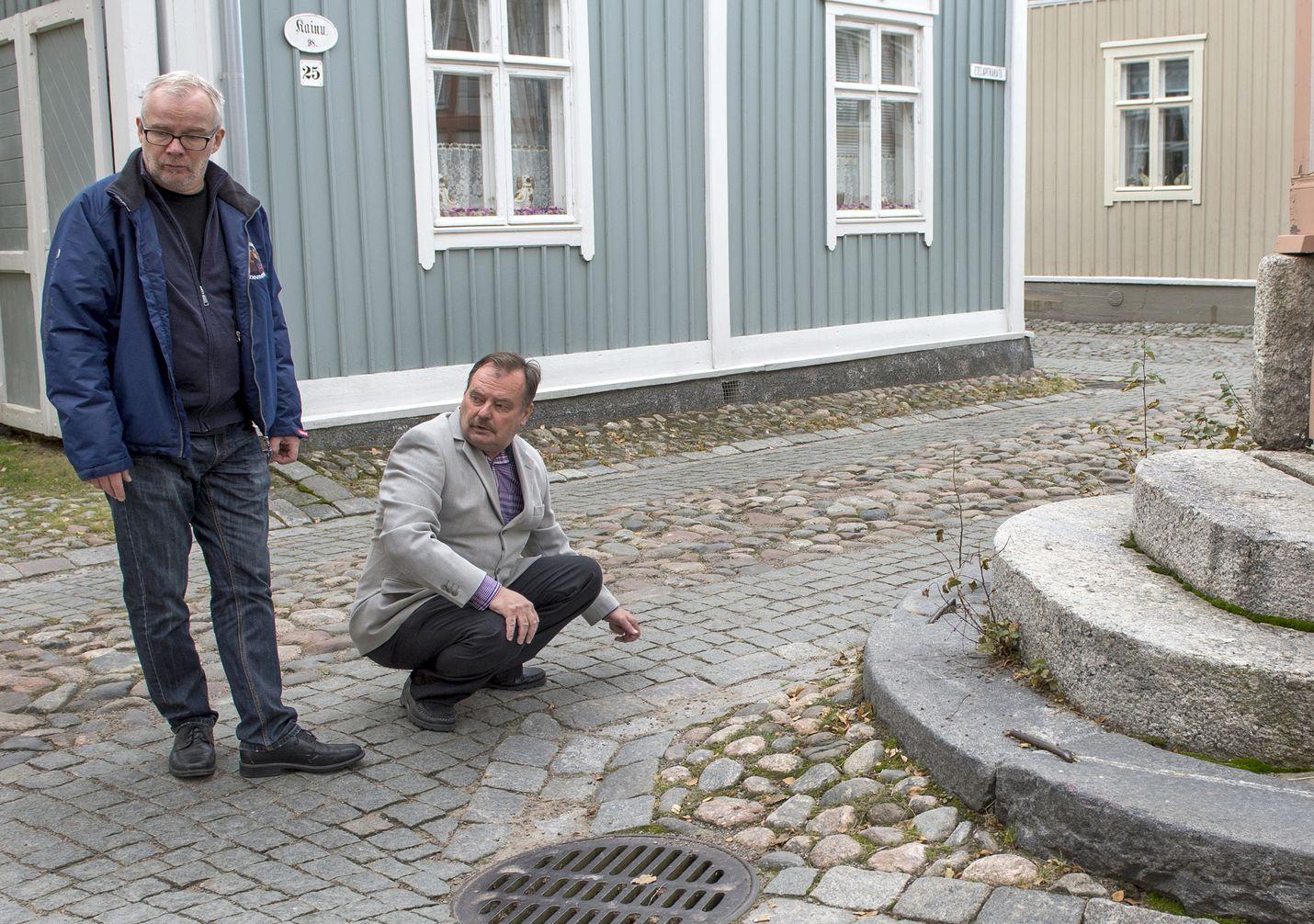 Vanhssa Raumassa sijaitseva Kekkosen matalikko on yksi Rauma ja retro -kirjan paikoista, jotka ovat säilyneet kaupunkilaisten kollektiivisessa muistissa, sanoo Tapio Niemi. Kirjan uudet värikuvat ovat Antero Lynnen.