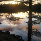 Aina ei tarvitse lähteä kauas kuvaamaan. Äyhönjärvikin on oiva kohde, kun palaset ovat kohdallaan. Kuva: Lenita Lehto