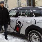 Talvi yllätti Berliinin tammikuun alussa. Silti Vehasen sponsori-Mini kulki kaupungin kaduilla näppärästi. – Moneen vuoteen täällä ei ole kuulemma ole ollut näin kylmää ja näin paljon lunta, Vehanen kertoi. Kuva: Harri Pirinen