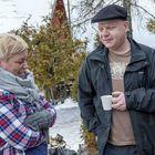 Marko Ranta on Kaffila Kainun vakioasiakas. Hän maistoi vierailunsa aikana kaikkea, mitä ruokalistalta löytyi. Ehdottomiksi suosikeiksi valikoituivat pulled pork -pizza ja sacherkakku. Kuva: Esa Urhonen