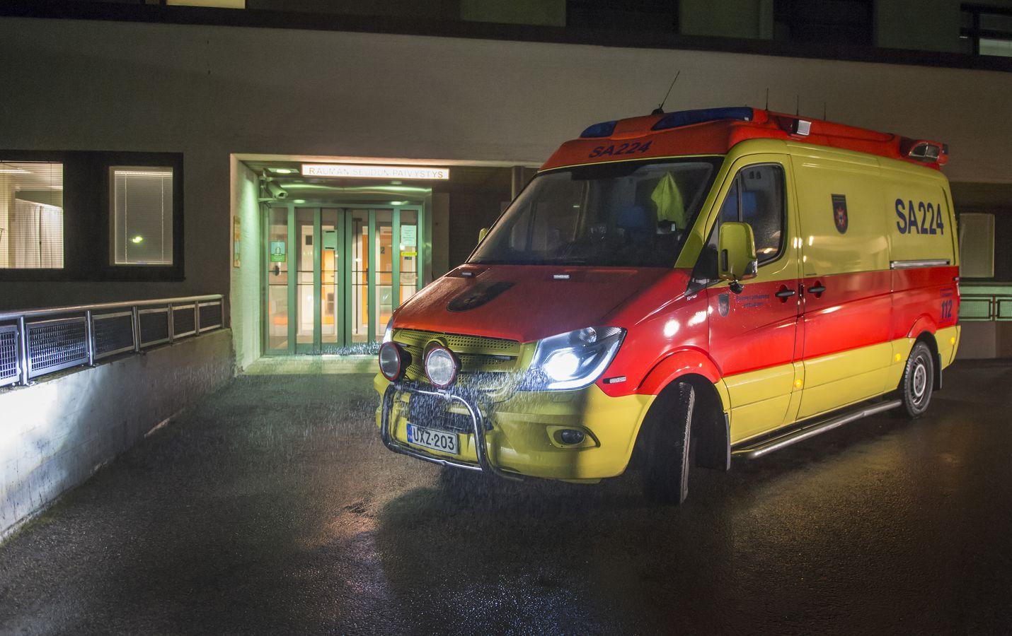 Rauman seudun päivystys on ensi kesänä viisi viikkoa kiinni kello 22–8. Iltaseitsemän on se maaginen raja, jonka jälkeen ambulanssi kaartaa päivystyspotilaan kanssa suoraan Poriin.