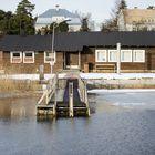 Syväraumanlahden Purjehtijankadun puolella sijaitsevan Kisarannan talviuintipaikan vesi on taas uimakelpoista. Kuva: Pekka Lehmuskallio