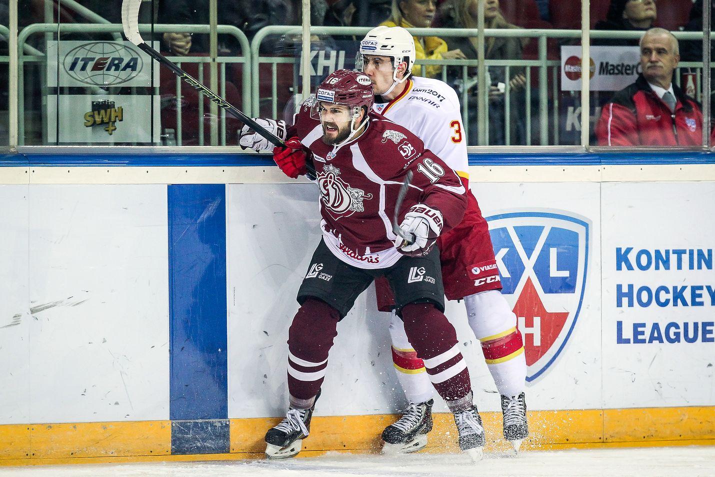 Steven Seigo palaa suomalaisiin kaukaloihin. Kuluvan kauden KHL:ää Riian Dinamossa pelannut puolustaja siirtyy Lukkoon.