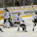 Jesse Virtanen suti kolme kertaa, ennen kuin kiekko sujahti Sami Rajamäen ohi Kärppien maaliin. Kuva: Pekka Lehmuskallio