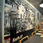 Keuruun jäähallin VIP-tilojen, Soturi-klubin seinältä löytyy kuvia seurahistorian juhlahetkistä. Kuva: Eetu Setänen