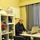 Päävalmentaja Ville Niemisen valmentajakoppia ei ole herkuilla pilattu. Kuva: Eetu Setänen