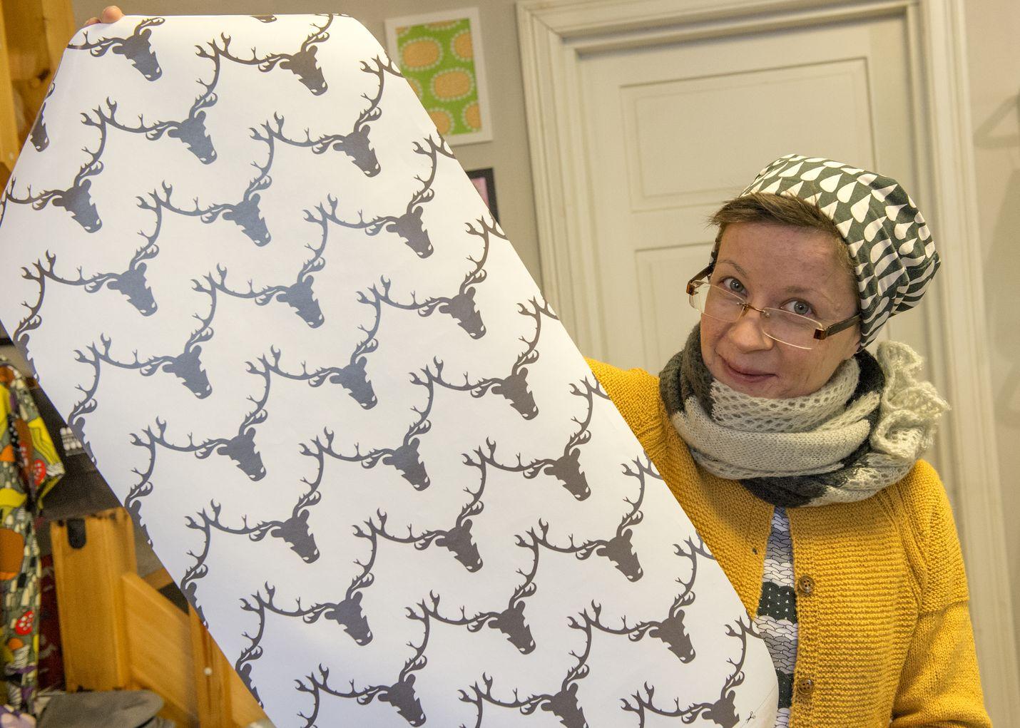 Rovaniemeltä kotoisin oleva Milona Sadekallion suunnittelemasta tapetista löytyy totta kai porokuvioita.