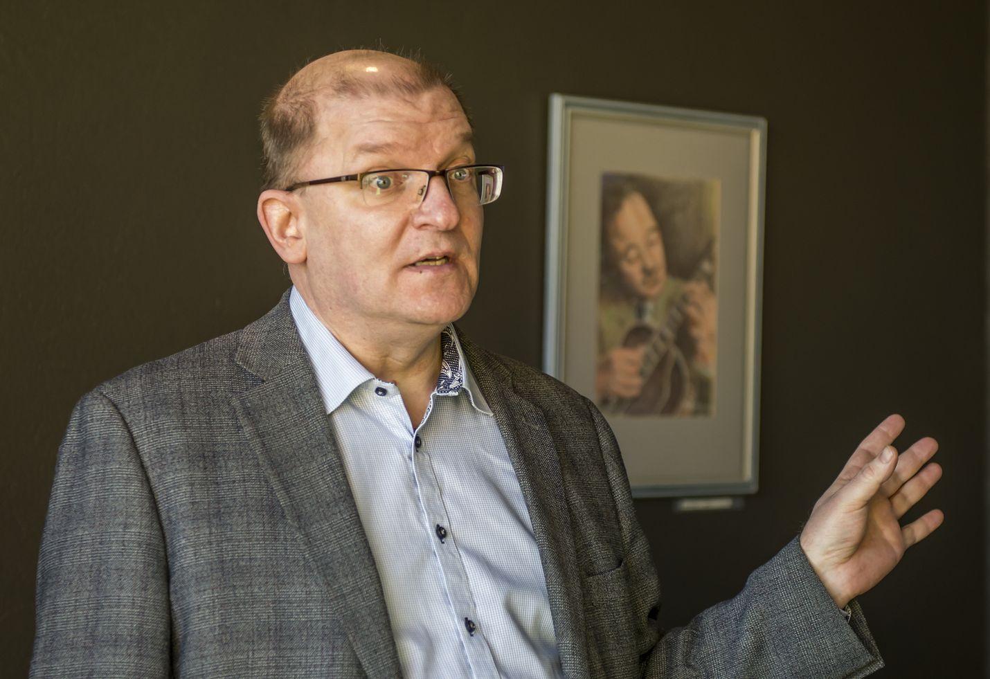 Metalliliiton puheenjohtajan Riku Aallon mukaan SAK:laisilla liitoilla ei tällä hetkellä ole luottamusta hallitukseen, mikä hankaloittaa yhteiskuntasopimuksen syntymistä.