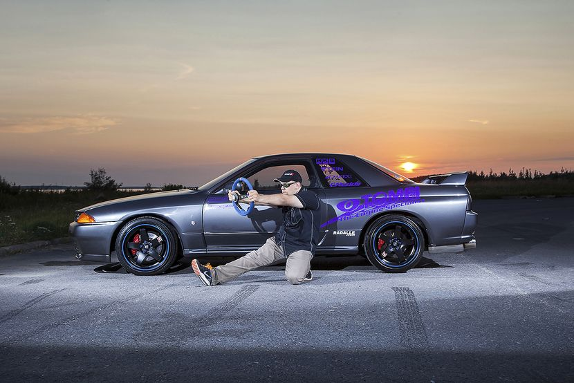 Here you can see a GT-R owner in his natural position - right foot floored.​