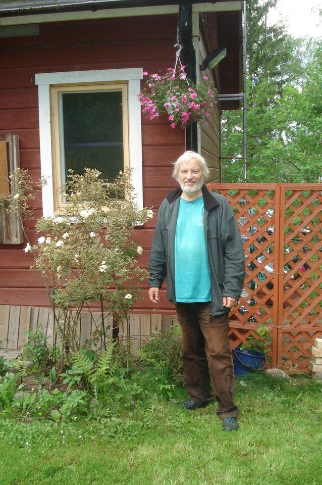 Kesämökki Vihdin Ojakkalassa on mainio paikka rentoutumiseen perheen parissa, kalastukseen, lenkkeilyyn ja filosofiseen pohdiskeluun. Ilkka Niiniluodon yksityisarkisto.