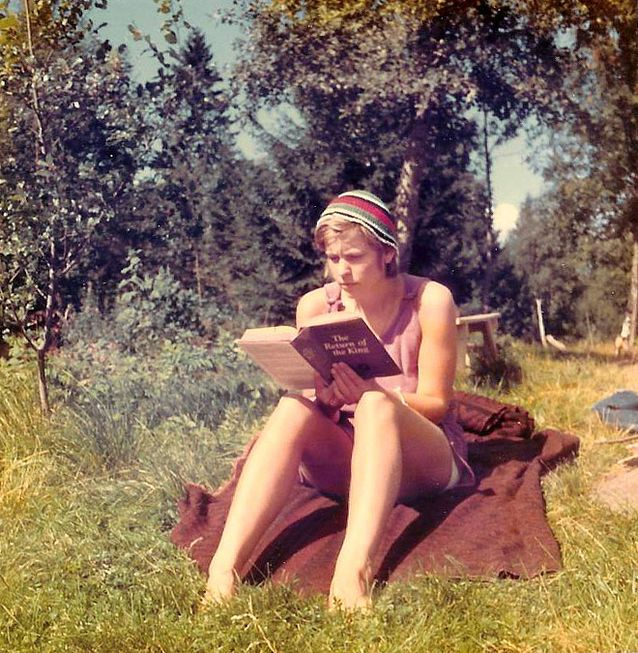 The Return of the King. Kersti Juva reading the third part of Tolkien's 'Lord of the Rings' before embarking on its translation.​