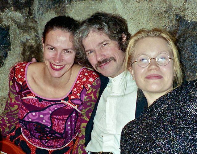 Charlotte Hellekant ja Helena Juntunen, päärooleissa oopperoissa Riddaren och draken (2000) ja Eerik XIV (2011). Kuva: Kurt Appelgren.