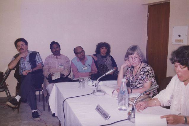 ISFNR-konferenssi, Mysore, Intia 6.12.1995. Aili Nenola puheenjohtajana (Gender Section). Kuva: Margaret A. Mills