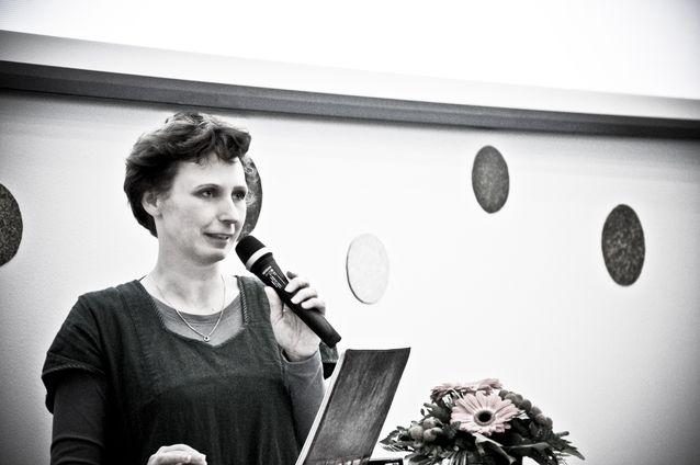 Jessica Parland-von Essen puhumassa Digitala spår -seminaarissa vuonna 2012. Kuva: Thomas Silén, lisenssi: CC-BY-NC 2.0.