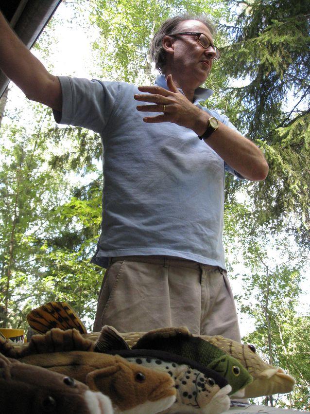 Ylläpidän mielelläni kosketusta kenttään. Kuva: John Calton.