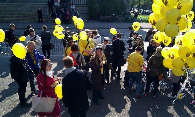 Vuonna 2011 opiskelijat kampanjoivat hallitusneuvottelujen aikaan Säätytalolla opintorahan puolesta. Kuva: Jarno Lappalainen.