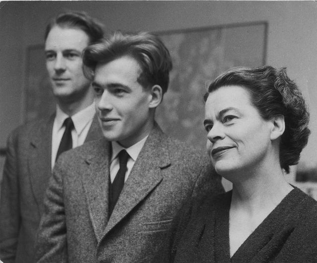 Helsingin Sanomien kriitikoita vuonna 1959 tai 1960: Timo Tiusanen, Pekka Tarkka ja Toini Havu. Kuva: Pekka Tarkan kotiarkisto.