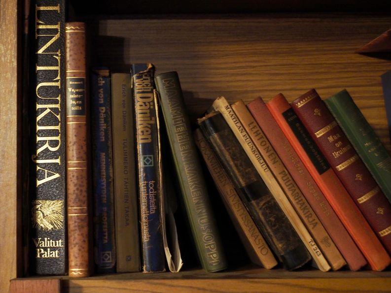 Jokainen kirja oli luettu useita kertoja ja sisälsivät tarkkoja muistiinpanoja.