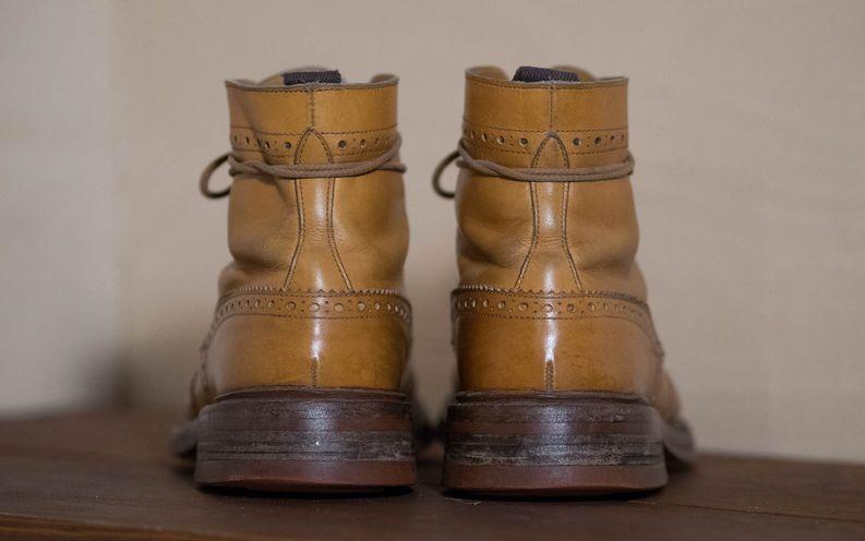 Vain runsas käyttö tuo lopulta kengille luonnetta.