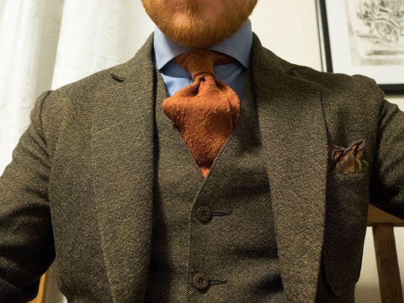 Kolmiosainen tweed on metsä- ja ratsumiehen klassikko!
