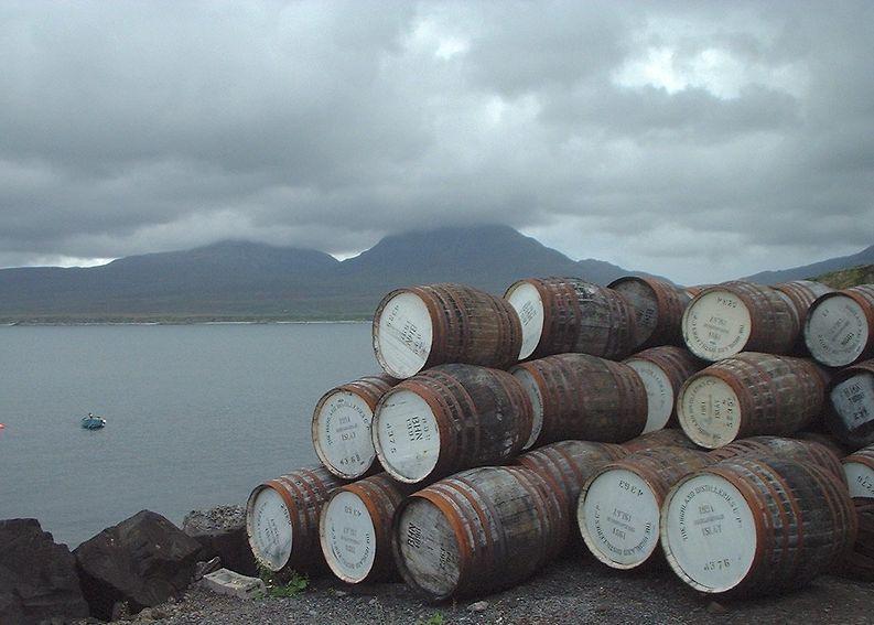 Parhaat viskit tulevat Islayn sumuiselta saarelta Skotlannin länsirannikolta.
