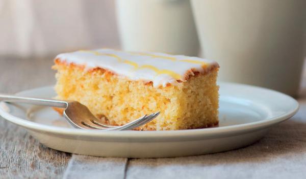 Jamie Oliver Nan S Lemon Drizzle Cake Recipe: Our Favourite Traybake And Cake Bar Recipes