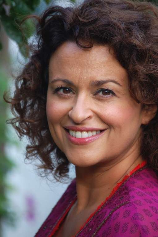 What My Mother Taught Me Nadia Sawalha S Childhood The